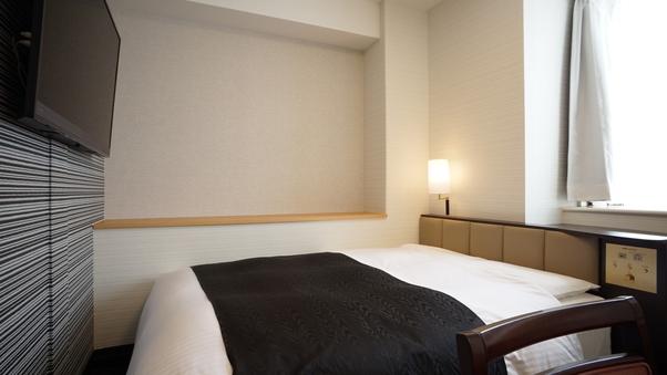 デラックスダブル【禁煙室】14平米/140cm幅ベッド1台