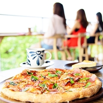 カフェギャラリー土花土花のこだわりピザ♪