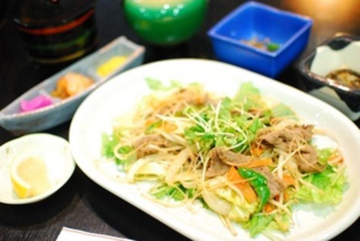 牛肉と野菜の炒め定食