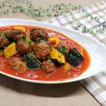 カボチャとミートボールのトマト煮