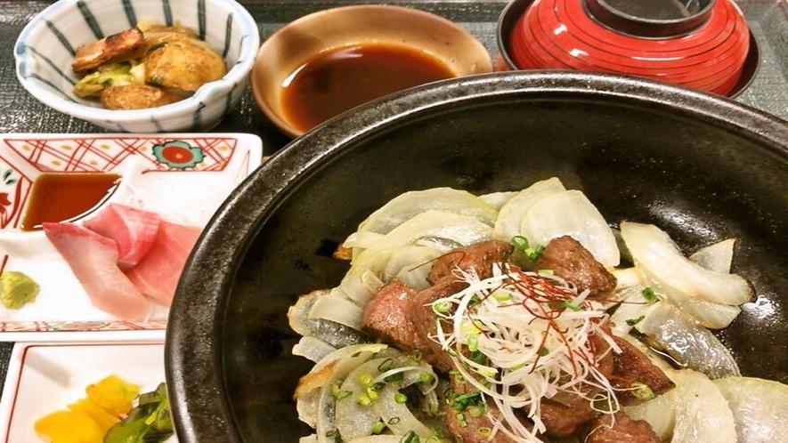 ご夕食一例 牛サイコロステーキ膳