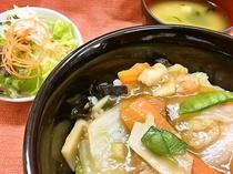 お手頃:ご夕食≪ルームサービス≫中華丼