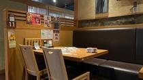店内の様子(テーブル席)