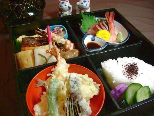 全室ルームシアター無料サービス中!松花堂弁当の夕食&ご朝食バイキング付きオータム・プラン