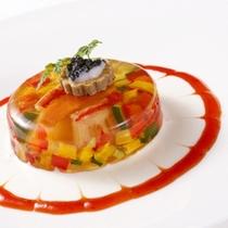 西洋と東洋の融合―。味の贅沢を優雅な時間の中でお楽しみください。