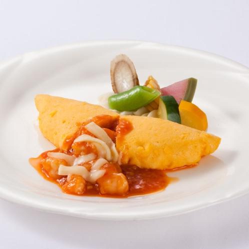 〈エビチリオムレツ(中華)〉洋食・中華8品からメインが選べるランチブッフェのメニューの1つ♪