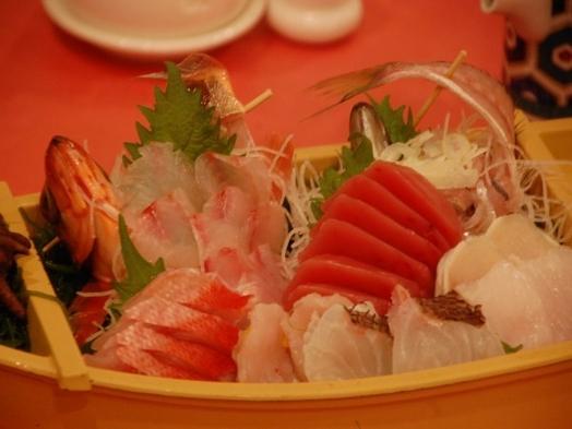 【楽天限定】【海鮮舟盛り付】駿河湾で取れた旬の地魚をお造りで