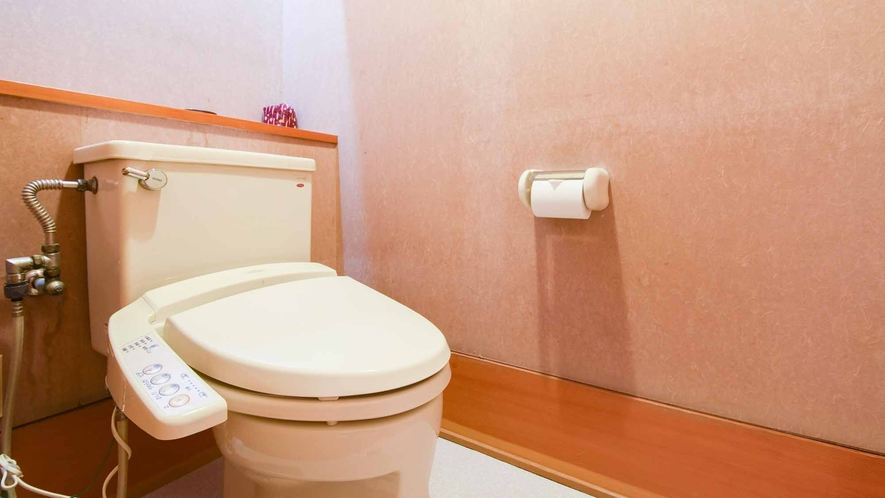 *【客室/和室12畳】各客室に洋室トイレを完備。多くの客室に洗浄機能付を導入しております。