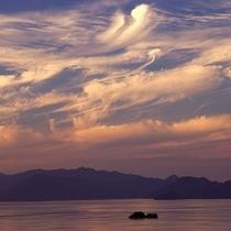 びわ湖に浮かぶ島