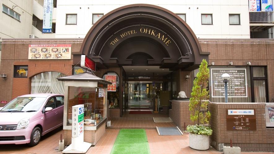 ホテルエントランス(正面)