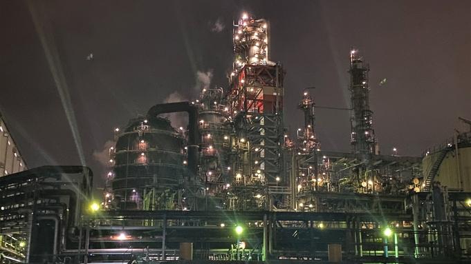 【横浜アドベンチャー】納涼!工場夜景探検 横浜ナイトクルーズ! カップル、夏の家族旅行、自由研究にも