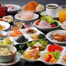 朝食は郷土料理、野菜を中心としたヘルシーなバイキング