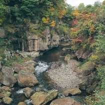 【観光スポット】磊々峡(らいらいきょう) 写真提供:宮城県観光課