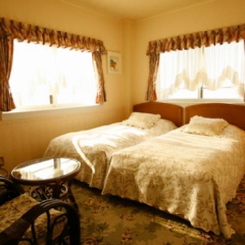 ※客室はツインかダブルをご用意しています。全室オーシャンビュー