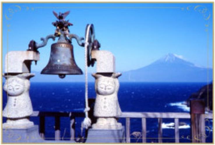 恋人岬から富士山を望む