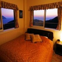 ※(角部屋コーナールーム)茜色に染まる空と海を、客室から独占してお楽しみ下さい