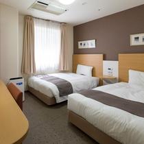 【ツインエコノミー1】ベッド幅123センチ×2台◆広さ17平米◆