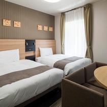 【ツインエコノミー2】ベッド幅123センチ×2台◆広さ19平米