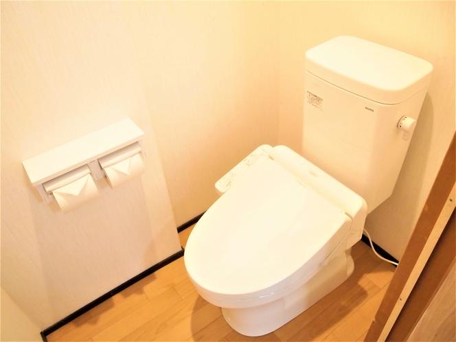 客室内洗浄機能付きトイレ