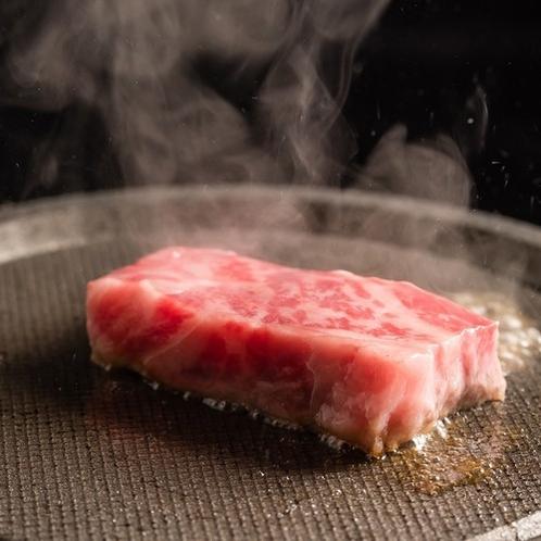 【甲州牛の陶板焼き】