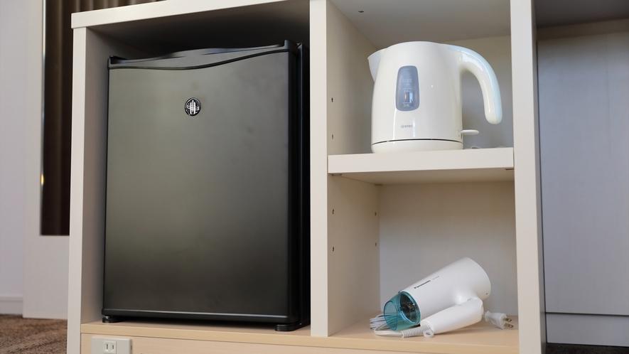 【室内設備】冷蔵庫・電気ポット・ドライヤー