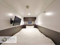 <全寝室>広いカプセルです。幅1m×長2.1m×高1.05m20インチテレビやコンセントUSBも標準
