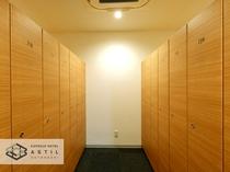 大型ロッカーサイズ 入りきらない荷物につきましては専用の棚もご用意しております。