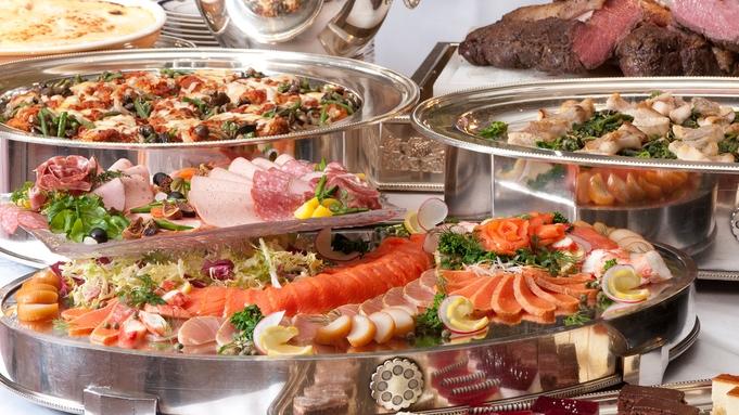 お部屋は全室レイクビュー♪ バンケットルームで和洋中食べ放題ディナーを満喫(夕朝食付き)