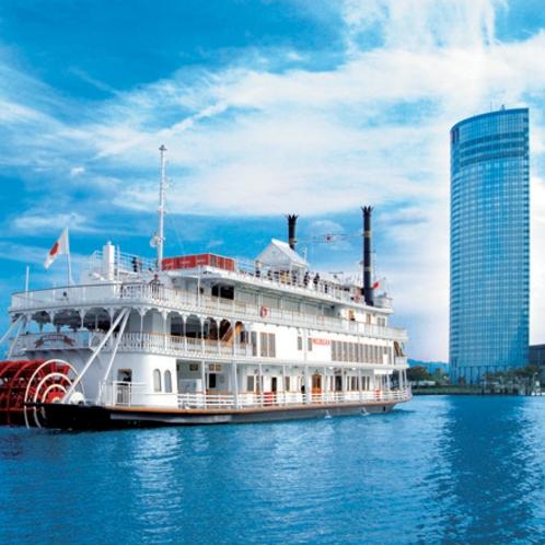 プリンスホテル港より運航している観光船ミシガン。