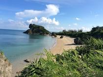 周辺ビーチ・ムルク浜(徒歩5分)