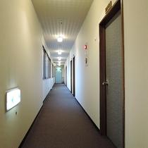 *[館内]2階・お部屋につづく廊下