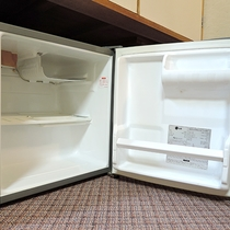 *[客室イメージ]全客室、空の冷蔵庫がございます。ご自由にお使い下さい