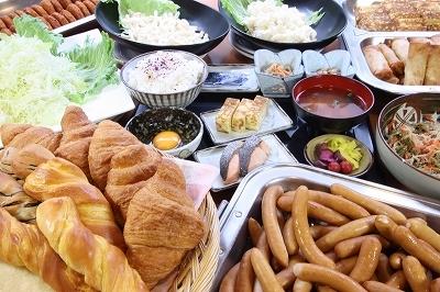 全てのご宿泊者に朝食は無料です。