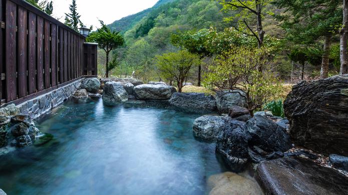 【露天風呂】川の湯