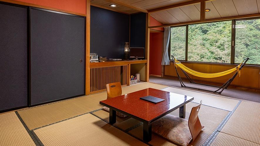 【和室10畳+和室10畳】寝具はお布団でご用意致します。ゆったりとお過ごしいただけます♪