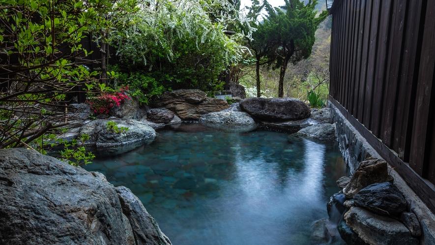 【露天風呂】山の湯