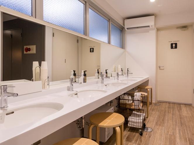 【各階 洗面スペース】広々した空間をご用意いたしております。