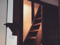 ほんまもん≪京町屋≫の階段は、、、やっぱり急です。。気を付けてお上り下さい