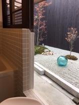 ほんまもんの【京町屋】のお風呂もトイレも≪お外≫でした♪でも、、庭が見れますよ