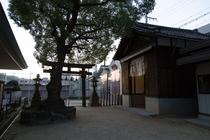 地元の八剱神社
