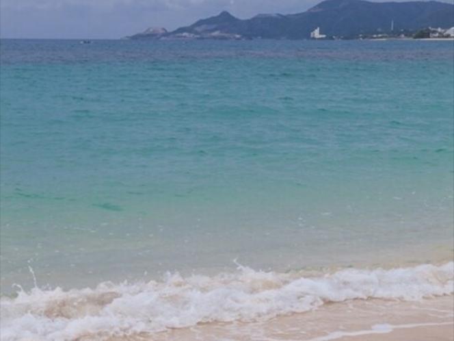 徒歩15秒でビーチへ