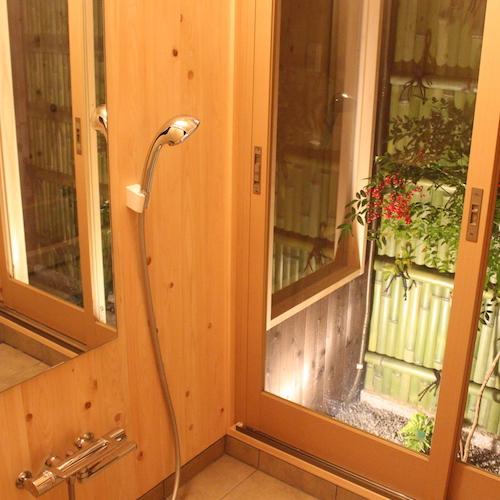 さと居 香雪 客室 1階半露天檜風呂 浴室暖房付その2
