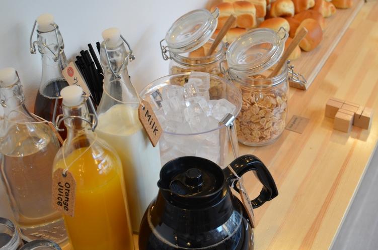 朝食ビュッフェ 併設cafeでお好きなだけ。