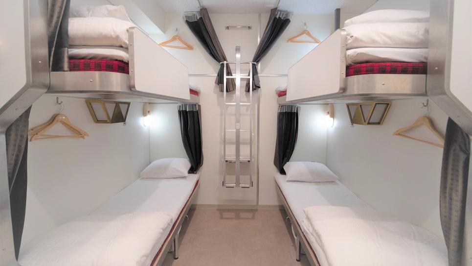 5階赤の寝台車