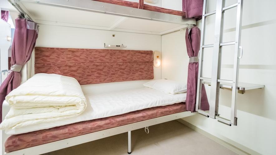 3階B寝台です!ベッド下に荷物を置くスペースがあります。
