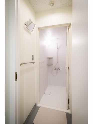 6階シャワーは男女別々で安心です^^