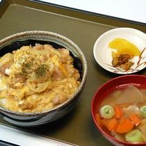*[夕食一例]ささっと召し上がれるボリューム満点な日替わり和定食