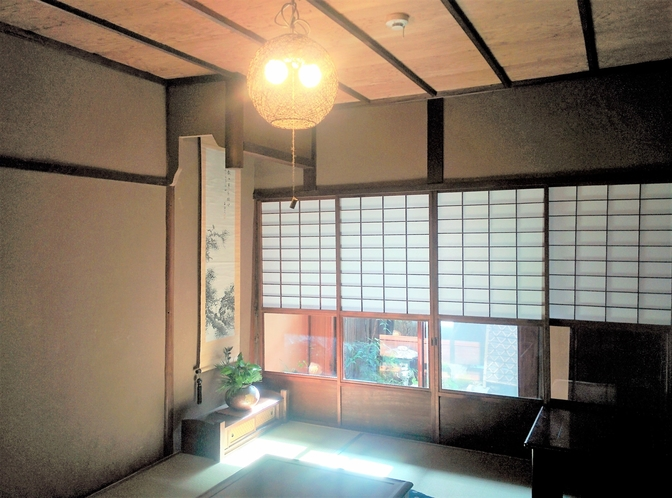 居間 昭和初期の雰囲気が残っています
