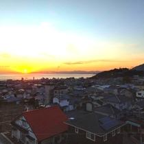 天気が良い日は、上階のお部屋から朝焼けが眺望できます!