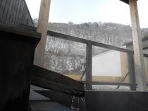 露天風呂からの雪見景色
